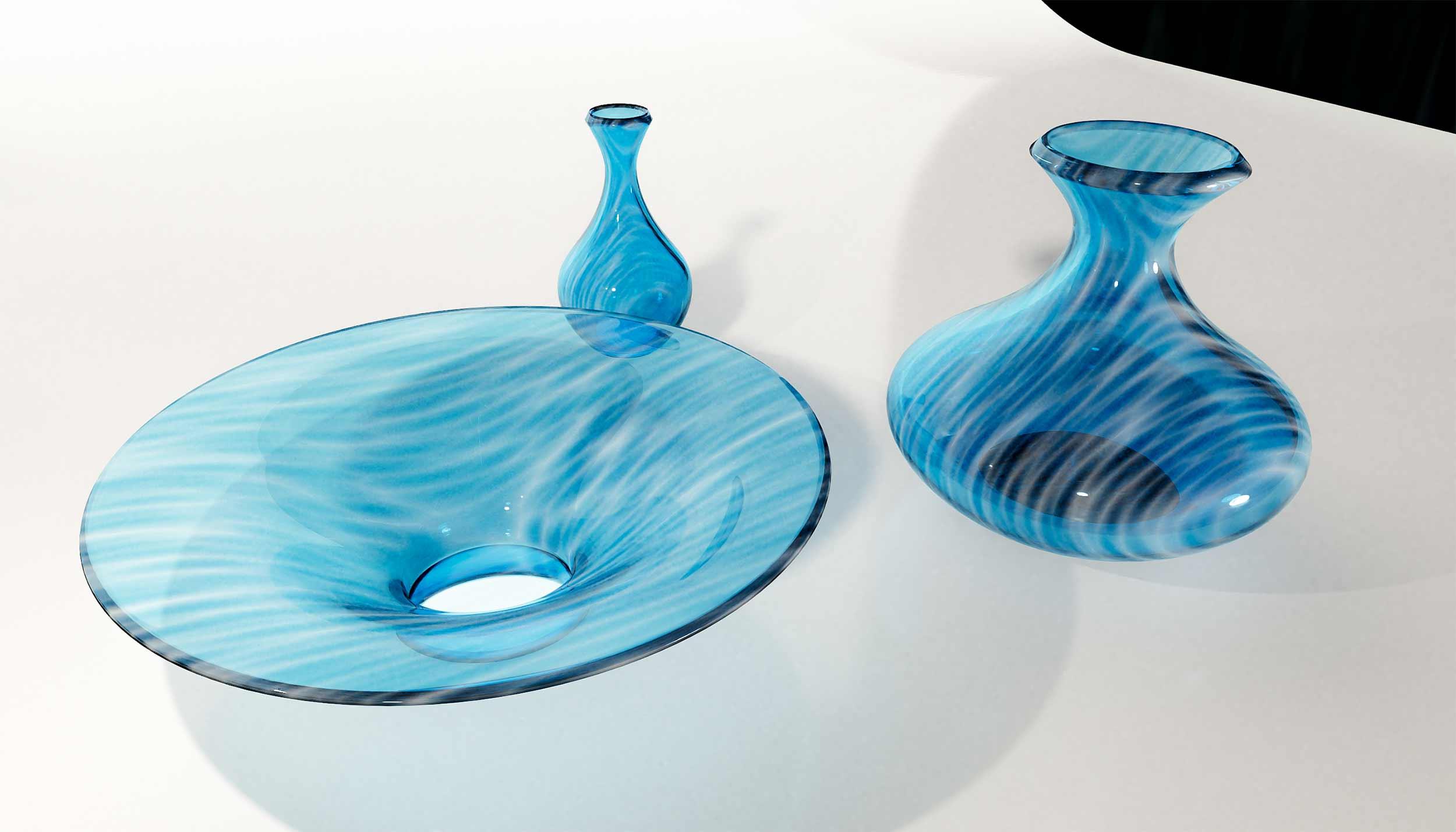 glazen-blauwe-objecten